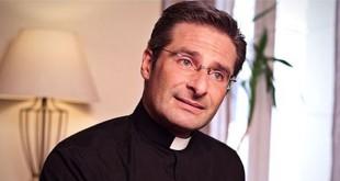 eşcinsel rahip
